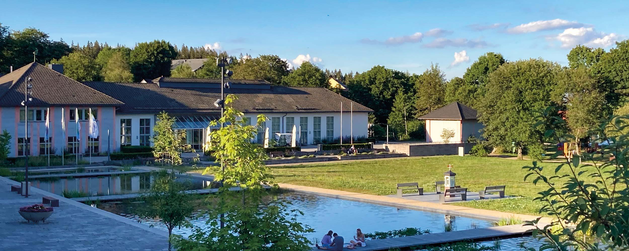 Oberhof Kurpark Sommeransicht | Oberhof Hotel Urlaub im Thüringenschanze
