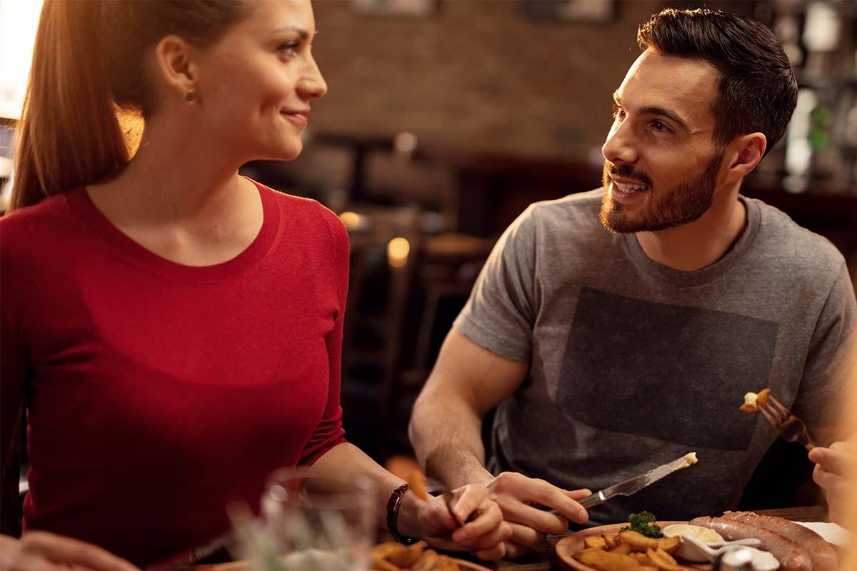 Restaurant, Paar beim Essen - Beispielbild Hotel in Oberhof