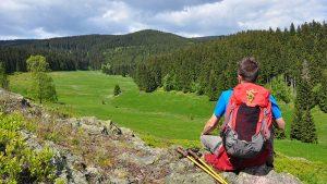 Wanderer bei einer Rast im Thüringer Wald | Urlaub in Oberhof