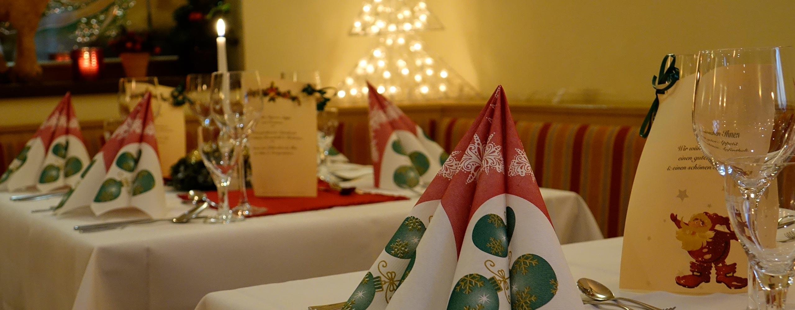 Weihnachtsfeier Tischdekoration | Oberhof Hotel Urlaub im Thüringenschanze